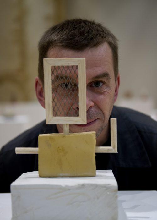 Bertrand Godot, directeur de la programmation art contemporain au Carré, Scène nationale et Centre d'art contemporain, La Chapelle du Genêteil (Château-Gontier, Mayenne) — Pôle Arts Visuels Pays de la Loire