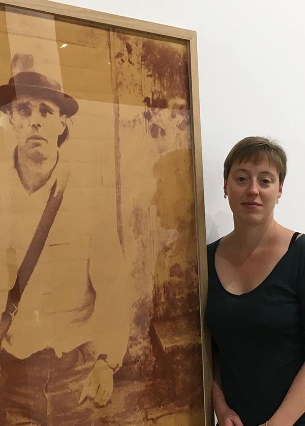 Hélène Jagot, conservatrice du Musée de la Roche-sur-Yon (La Roche-sur-Yon, Vendée) — Pôle Arts Visuels Pays de la Loire