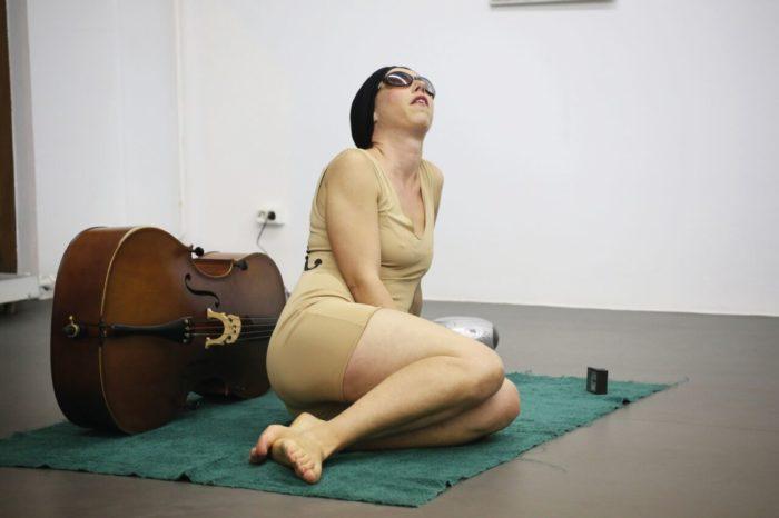Charlotte Moorman - Pôle arts visuels Pays de la Loire